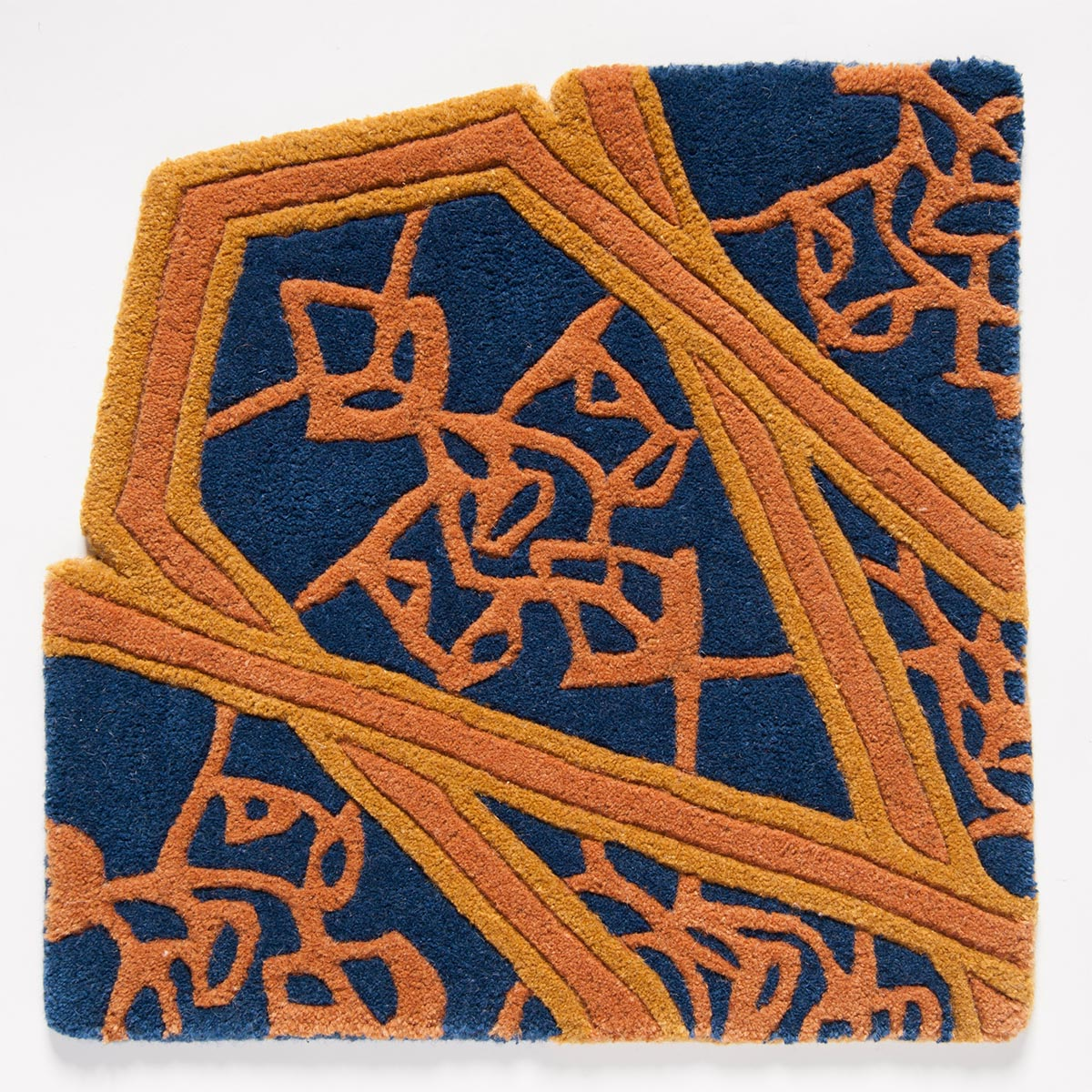 Tappeti, fine hand-crafted rugs & carpets  Interlaced